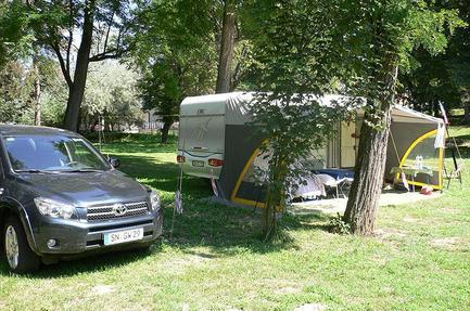 Höforrás Camping