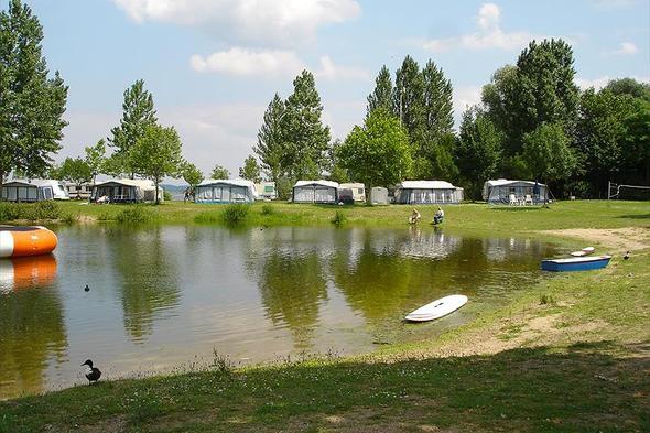 Camp. Jachthaven de Loswal