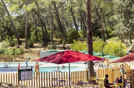 Campsite Huttopia Fontvieille