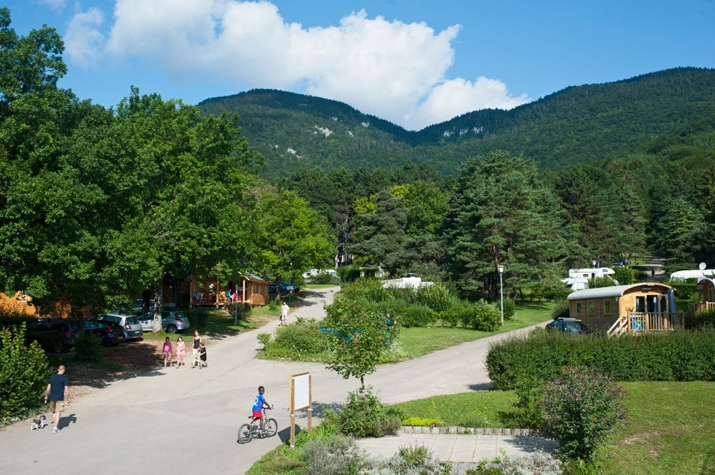 Campsite Huttopia Divonne-les-Bains