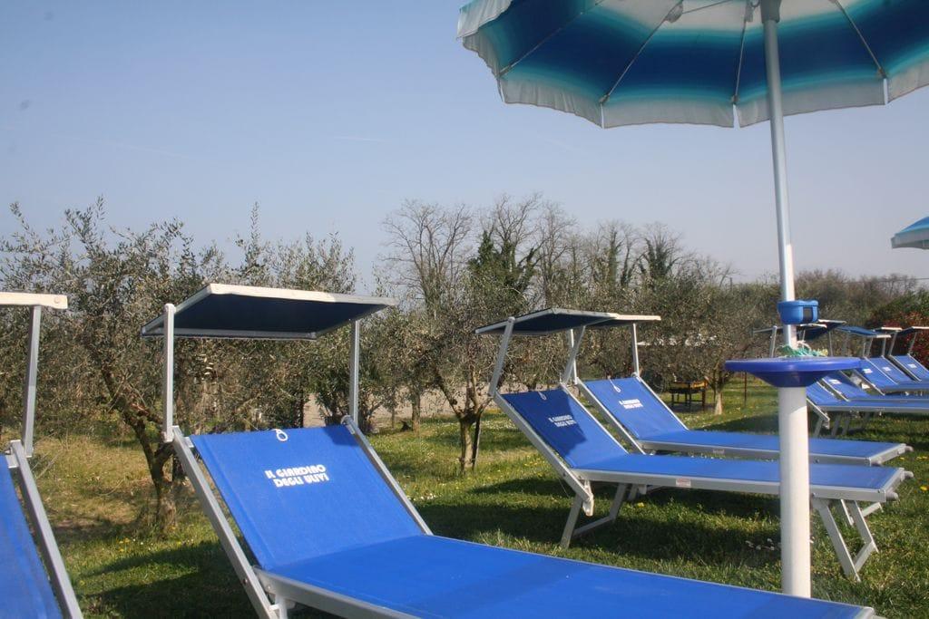 Camping agriturismo il giardino degli ulivi in lazise for Il giardino degli ulivi monteviale
