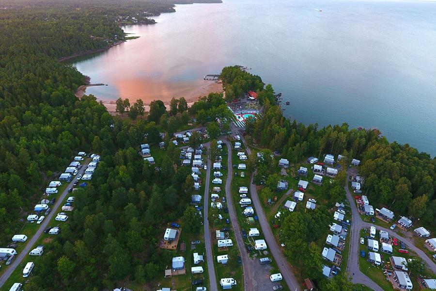 Ursand Resort & Camping