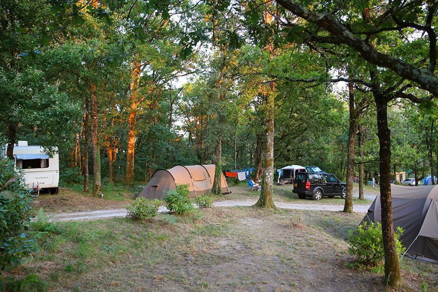 Campsite Sites & Paysages de l'Etang de Bazange